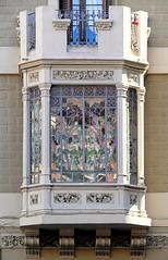 Barcelona - Sants 149 d (Arnim Schulz) Tags: barcelona espaa art window architecture liberty ventana spain arquitectura arte fenster kunst catalonia finestra artnouveau gaud architektur catalunya espagne fentre modernismo catalua spanien modernisme jugendstil espanya katalonien stilefloreale belleepoque baukunst