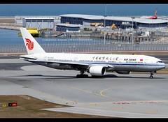B777-2J6 | Air China | B-2066 | HKG (Christian Junker | Photography) Tags: canon eos 7d dslr 100400mm aero plane aircraft boeing 7772j6 777200 777 772 b772 airchina ca cca ca102 cca102 airchina102 b2066 staralliance heavy widebody triple7 departure lineup 07r airline airport aviation planespotting 29745 290 29745290 hongkonginternationalairport cheklapkok vhhh hkg hkia clk hongkong sar china asia lantau shalowan slw spota2 christianjunker flickraward flickrtravelaward hongkongphotos worldtrekker zensational superflickers