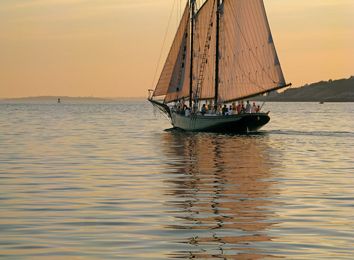 Schooner Thomas E. Lannon at Sunset  _3303