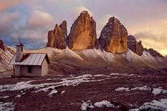 VERSO SERA... (lupus alberto) Tags: montagne tramonto autunno trecimedilavaredodolomiti
