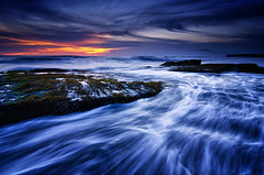 Nightfall on the Coast [Explored] (eggysayoga) Tags: sunset sea sky bali sun seascape motion beach water night indonesia landscape nikon asia lima cloudy hard wave tokina filter lee nd pantai graduated waterscape gnd canggu seseh 1116mm d7000