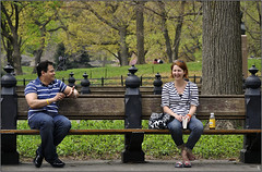 NY - Talking in Central Park (PM Gaury) Tags: usa newyork nikon centralpark conversation talking d90 nikond90