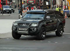 Mitsubishi L200 (kenjonbro) Tags: uk england black london westminster trafalgarsquare pickup warrior did 2008 l200 charingcross mitsubishi sw1 crewcab doublecab worldcars kenjonbro fujifilmfinepixhs10 ld08dan