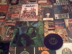 Early 1970's : (Retro King) Tags: 1971 retro records 1972 paperbacks books alice cooper magazines mad comicbooks singles vinyl peanuts collectables