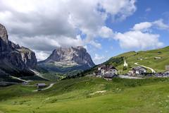Trentino - Alto Adige (Italy) - Passo Gardena Grdner Joch (Massimo Battesini) Tags: nationalgeographic worldtrekker fujifilmxt1 fuji xt1 fujixt1 fujifilm finepix fujinon fujinonxf18135 fuji18135 fujifilmfujinonxf18135mmf3556rlmoiswr selvadivalgardena trentinoaltoadige italia it montagna montagne dolomiti mountains montaas berg dolomite dolomitas dolomites alpi alpes alps alpen italy italie italien europa europe passogardena grdnerjoch valgardena valbadia