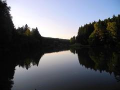 Dmmerung in Tierhaupten (almresi1) Tags: schwbischfrnkischerwald schwbischgmnd ostalb spiegelung see lake landscape germany