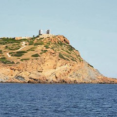 View of #Poseidon's #Temple from the #sea! #Sounion #Athens #cruise #visitGreece #yachting #cruiselovers #cruiseholidays #cruising #greektemple #greekhistory #ancientGreece #travelphotography #thisisAthens #Greece2016 #PoseidonTemple #CapeSounion (Athens Walking Tours) Tags: greece travel vacation holidays