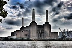 Battersea Powerstation (michelle_in_the_world) Tags: london chelsea battersea powerstation