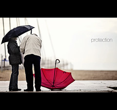 protection (s.f.p.) Tags: red sea love water umbrella mar rojo couple mediterranean mediterraneo pareja amor shore proof protection sitges paraguas orilla