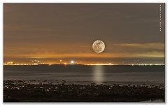 Luz de luna. (Francisco J. Prez.) Tags: night spain pentax nocturnas cdiz tarifa pentaxk5 franciscojprez sigma70200f28hsmll