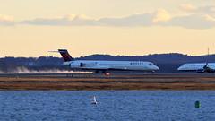 Delta 2101 (MD90, N932DN) Emergency at Boston (tkolos) Tags: boston airplane delta tire emergency md80 n932dn
