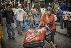 Aguaje (clandestinox21) Tags: street city people peru photography downtown gente lima fotografia canoneos400ddigital