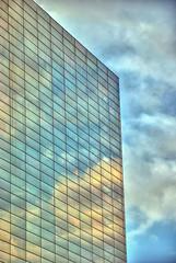 Rho, Polo Fieristico, Palazzo Wind (forastico) Tags: nuvole wind milano cielo lombardia fiera riflesso rho d60 polofieristico forastico nikonflickraward luckyorgood