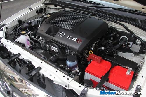 2013-Toyota-Fortuner-26