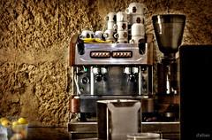 """Un buen caf... (Franco DAlbao) Tags: francodalbao dalbao fuji cafetera coffeemaker bar caf coffee molinillo grinder tazas cups infusin bebida drink aroma scent"