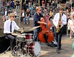 Gideon Tazelaar Trio 7464-2_5553 (Co Broerse) Tags: music composedmusic contemporarymusic jazz amsterdam 2016 cobroerse grachtenfestival toekomstmuziek gideontazelaartrio gideontazelaar saxophone wouterkuhne drums percussion doublebass nieuwmarkt