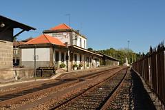 Vista de Oeste - Livrao (valeriodossantos) Tags: comboio train infraestruturasdeportugal infraestruturas refer estaes estaodalivrao livrao marcodecanaveses linhadodouro caminhodeferro portugal
