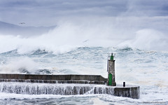 Growing waves.... (JJPS Photo) Tags: seascape storm waves dock lighthouse sea