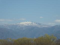Mountain range (seikinsou) Tags: japan spring omiya kanazawa shinkansen jr railway train travel hakutaka windowseat view mountain snow tree