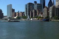 Tugboats, Barges, United Nations (Roosevelt Island/NYC) (chedpics) Tags: newyork eastriver unbuilding rooseveltisland