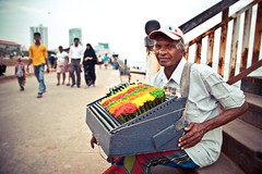 Colored Sunday (Dihan_DS) Tags: old man color colour sitting vendor srilanka sell colombo galleface katussa tourismsrilanka