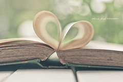 I Love Literature (Serena178) Tags: love canon vintage reading book heart bokeh literature 5d markii odc2