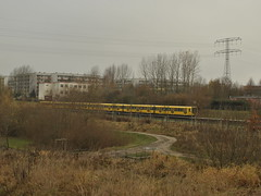 Hellersdorf, Berlin (J@ck!) Tags: berlin train landscape pylon ubahn ostberlin socialhousing marzahn hellersdorf