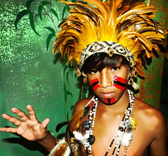 Jeguaká Mirim... (carf) Tags: poverty boy brazil boys brasil kids children hope costume kid community village child hummingbird traditional culture makeup traditions forsakenpeople esperança social impoverished underprivileged philosophy identity dreams indians facepaint spiritual exchange cultural indigenous aldeia indígena guarani intercâmbio mbyá rcbf chácarabeijaflor verá krukutu nheemporã yvymarãeỹ tekoanheemporã jeguakámirim coexistencecentre núcleodeconvivência