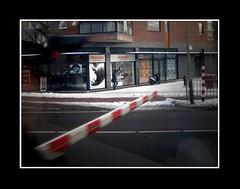 Stadsgezichten / Townfaces (Theo Kelderman) Tags: holland netherlands canon nederland posters straat vanuitdetrein spoorwegovergang 2013 theokeldermanphotography