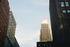 Chicago Mornings (kapnkole) Tags: morning light chicago earlymorning nikonfe 50mmf18 portra400