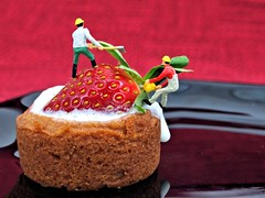 Off with the stem (cathy.scola) Tags: dessert miniature strawberry whippedcream ho littlepeople tart tinypeople hofigures