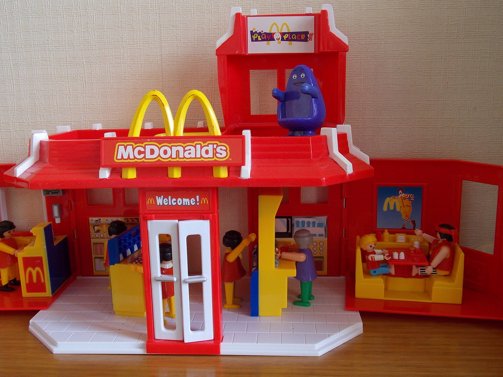 The world 39 s best photos of colegio and playmobil flickr for Casa mcdonald