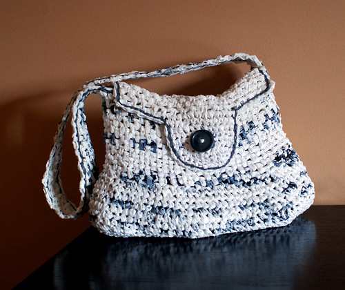 My first plarn purse