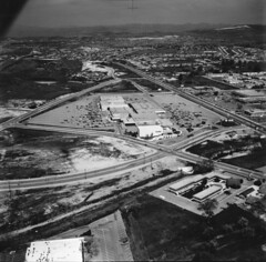 Conejo Village Shopping Center, 1967 (ConejoThruTheLens) Tags: hillcrest thousandoaks shoppingcenters conejothroughthelens moorparkrd