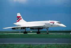 British Airways Concorde G-BOAC 'Union Flag' c/s (scanned) (Manuel Negrerie) Tags: gboac baw bririshairways concorde supersonic cdg livery design sudaviation aerospace britishaeropsace unionjack utopia transport plane