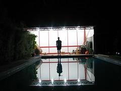 Pool man (Alonso Henrquez) Tags: pool night exposure canong3 cfb alonsohenrquez