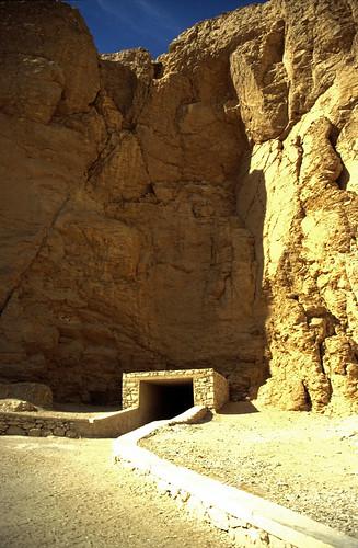 "Ägypten 1999 (390) Theben West: Tal der Könige • <a style=""font-size:0.8em;"" href=""http://www.flickr.com/photos/69570948@N04/28919823704/"" target=""_blank"">View on Flickr</a>"