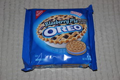 Blueberry Pie Oreo (Like_the_Grand_Canyon) Tags: sandwich cookie usa us california kalifornien aliso viejo san diego