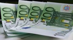 EURO (Been Around) Tags: 20160823134044 austria autriche aut a austrian europe eu europa expressyourselfaward europeanunion concordians thisphotorocks österreich oberösterreich onlyyourbestshots oö ö upperaustria eur euro scheine 100euroschein 100euro money cash banknotes 100eurobanknoten 100eurobanknotes galaxynoteiii samsunggalaxynote3 note3 cameraphone samsung explore explored inexplore entdecken flickrexplore geld
