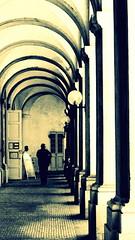 coloms.. (Henrik Bidstrup Jrgensen) Tags: copenhagen summer citywalks cph kbenhavn olympus e510 monocrome sorthvid colloms building old shadows