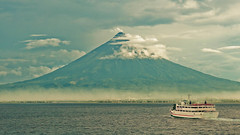 Mayon Volcano (edwin.canlapan) Tags: mayonvolcano albay philippines