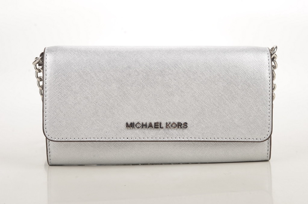 e1e721cc345e Michael Kors Jet Set Travel Wallet on a Chain Crossbody   Geldbörse  32F4STVC9M Saffiano Kalbsleder silber
