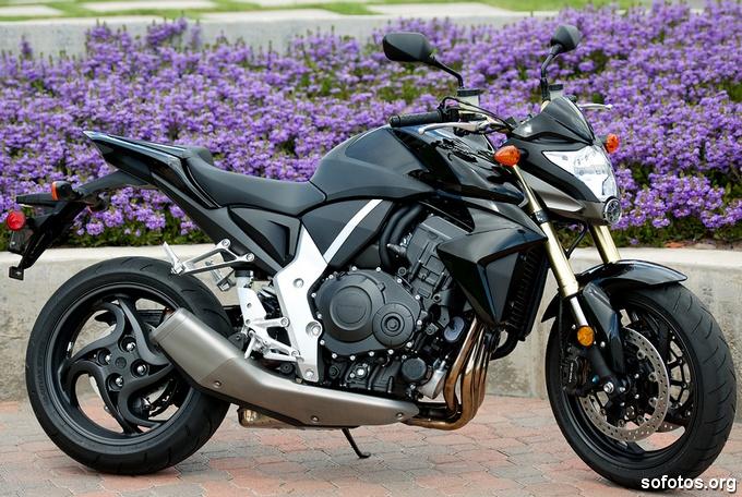 Honda CB 1000R 2011 Preta