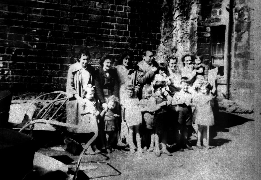 Backcourt Barony Street 1962