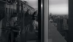 Tom Collins (Cromo Lab) Tags: city roof boy sky people bw woman white man black building men blanco glass girl reflections noir gente femme horizon cit negro edificio talk ciudad bn ciel cielo conversation toit cristal azotea fille blanc personnes horizonte homme gens reflejos garon cromo hablar conversacin carlosromo