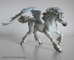 Pegasus (WorldsInMiniature) Tags: sky horse white fly wings model pegasus magic models flight wing feathers feather collection safari replica fantasy collections figure pearl winged figures mythology pearly collecting replicas