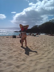 AstaYoga does cross legged handstand on Big Beach Maui (Eric Broder Van Dyke) Tags: cross maui handstand does legged bigbeach astayoga