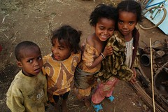 magic diagonal (ben ot) Tags: children enfants madagascar antsirabe