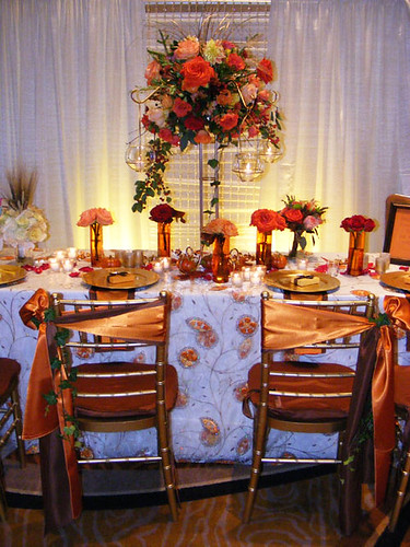 Gold and Copper Wedding Table — Photo Courtesy Blumz by JRDesigns in metro Detroit www.blumz.com www.flickr.com/photos/blumz/