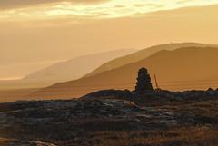 DSC_1613.jpg (pepi0313) Tags: sunset island iceland sonnenuntergang stones berge steine tal steinhaufen steinsule ingvallavegur 21220652 64223235